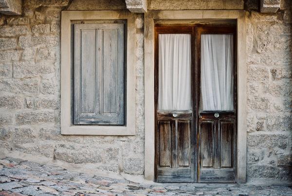 wejściowe drzwi przesuwne drewniane